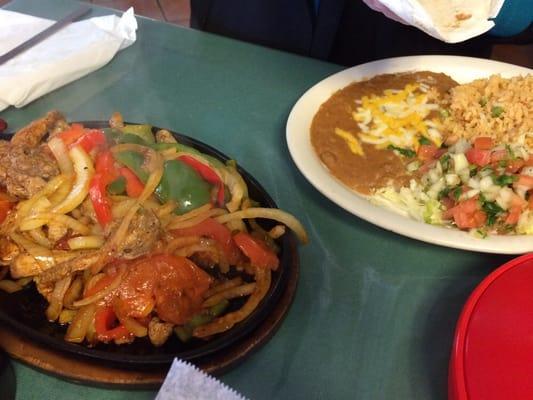 El Ranchcito Restaurant & Sports Bar