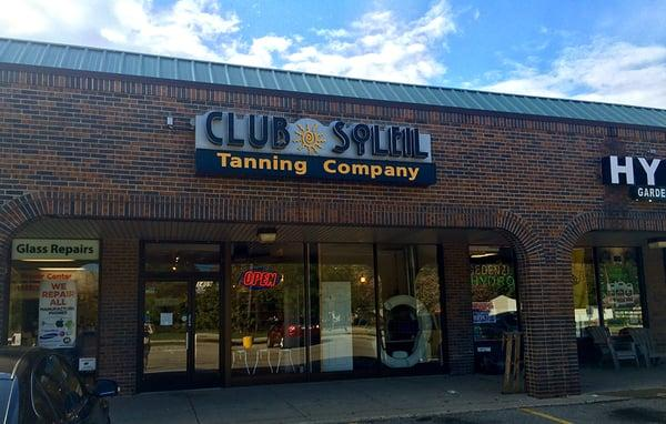 Club Soleil Tanning Company: Madison Hts