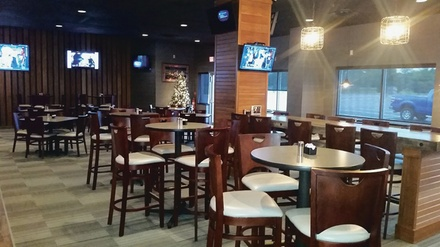 Packy's Sports Bar & Grill