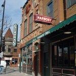 Schubas Tavern & Harmony Grill